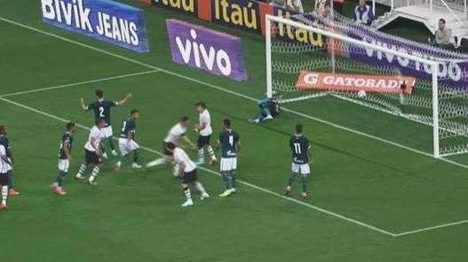 Veja os gols de Corinthians 5 x 2 Goiás pelo Brasileiro