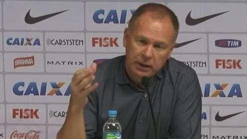 Mano Menezes enaltece poder ofensivo do Corinthians no jogo