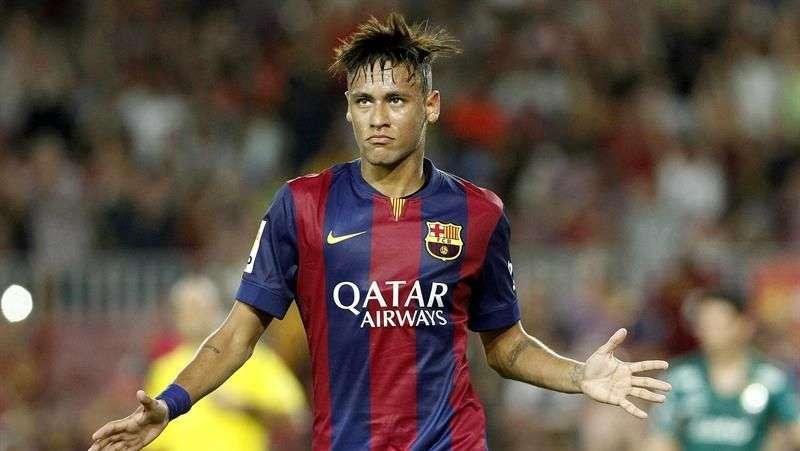 Neymar sufre un esguince y es duda en el Barcelona