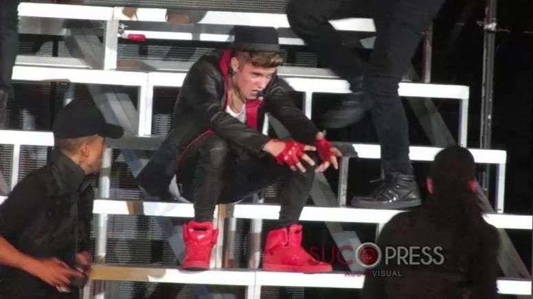 Acusan a Justin Bieber de soborno