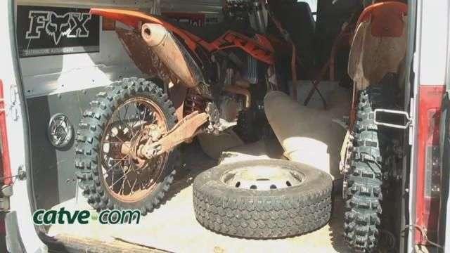 Contrabandista tenta enganar polícia sujando motos