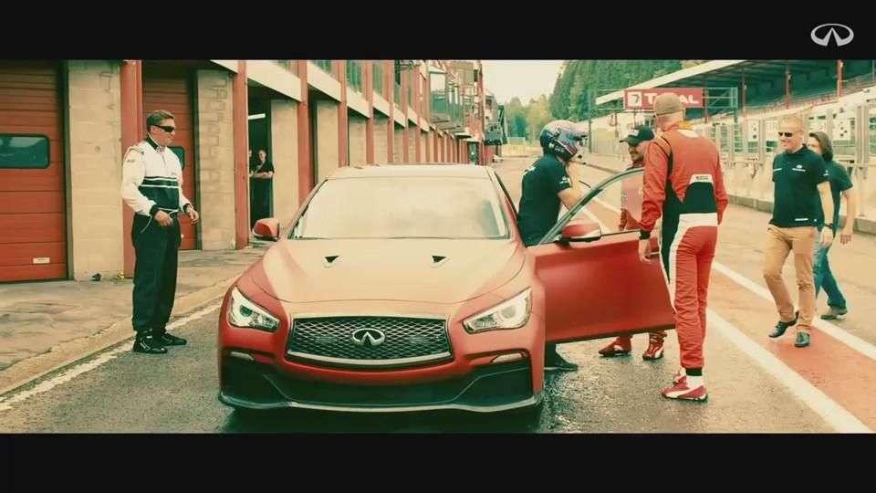 Video: Sebastian Vettel corriendo en el Eau Rouge Concept