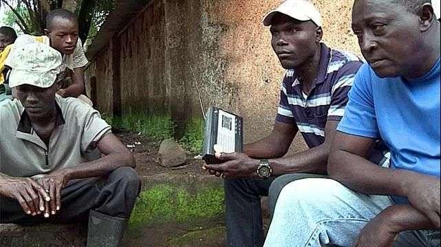 Los programas de radio, pieza clave para combatir el Ébola