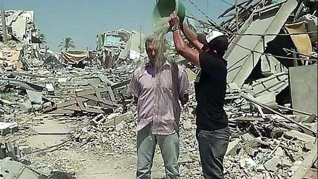 Lanzan en Gaza el desafío del balde con escombros