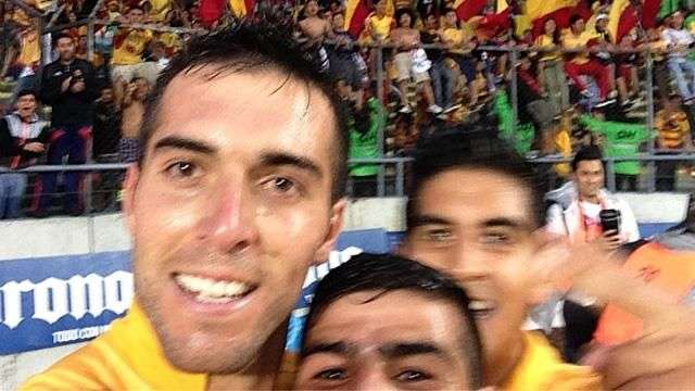 Selfie del gol! Loca celebración que está dando que hablar