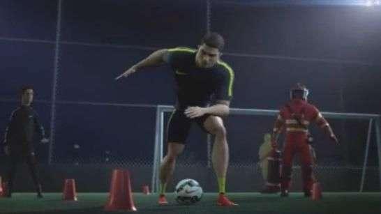 Ronaldo demuestra su velocidad en nuevo comercial animado