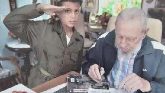 Menino de 8 anos vira celebridade após conhecer Fidel Castro