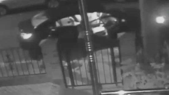Suposto taxista agride mulher na frente dos filhos em NY