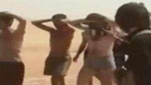 Supostos soldados seminus são humilhados e recebem chutes na Síria
