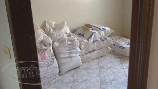 Advogado vai mostrar casa para cliente e encontra 466 kg de maconha