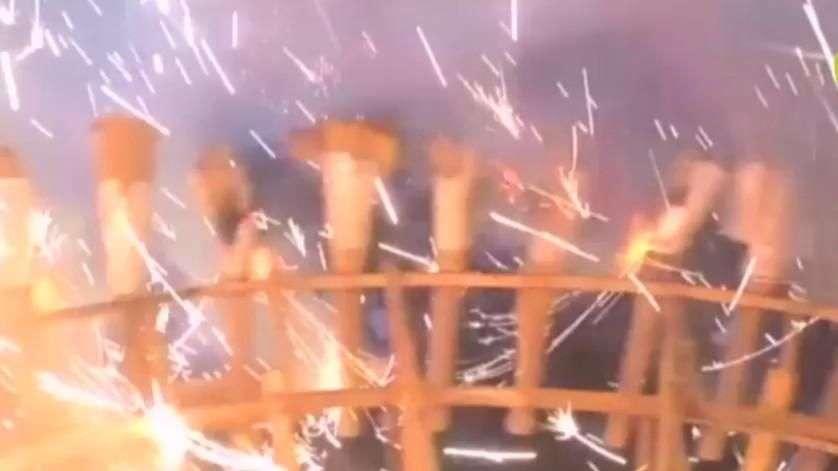 Vídeo mostra explosão de fogos de artifício vista por dentro