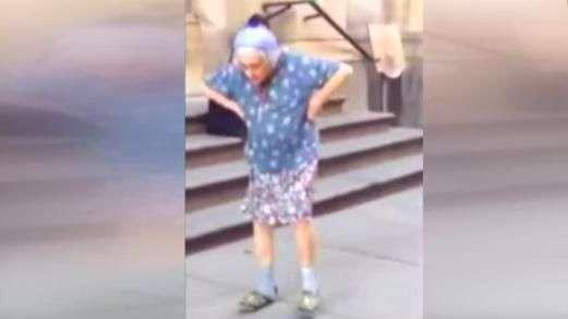 Idosa de 97 anos é filmada dançando em rua de Havana