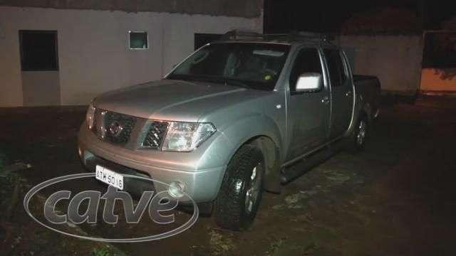 Bandidos abandonam Frontier roubada na região da Rodoviária
