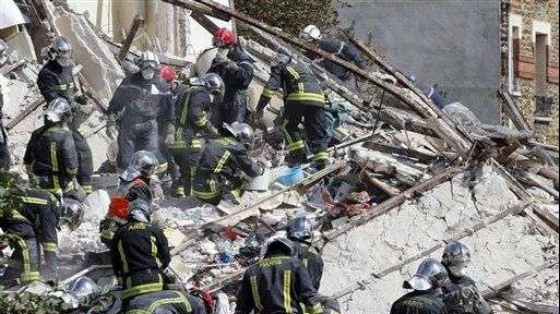 Derrumbe por posible fuga de gas deja ocho muertos en París