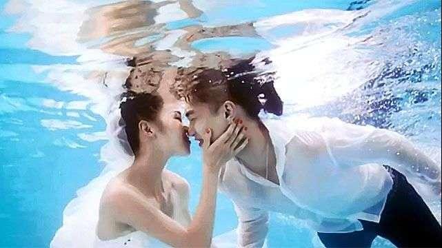 La moda en China son las fotos de boda bajo el agua