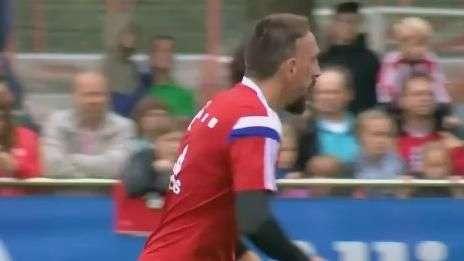 Artilharia pesada! Ribéry é destaque em treino do Bayern