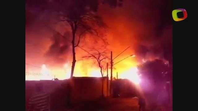 Fogo destrói barracos em favela na zona sul de São Paulo
