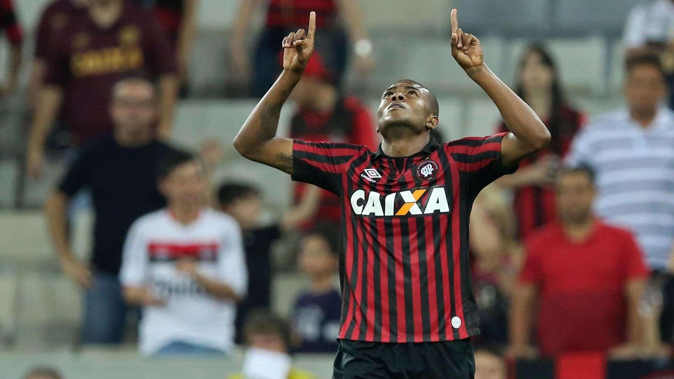 Veja os gols de Atlético-PR 2 x 0 Vitória pelo Brasileiro
