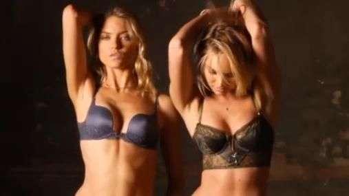 Sexys rubias protagonizan sensual video de Victorias Secret