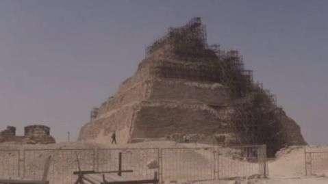 Danos em restauração de pirâmide gera polêmica no Egito