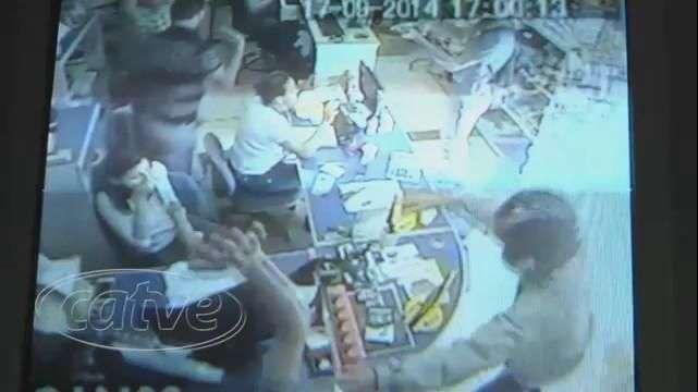 Menores assaltam loja de material de construção em Cascavel