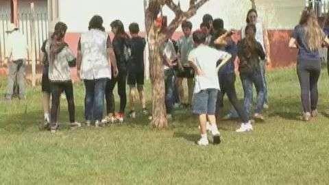 Alunos da Escola de São João do Oeste abrem a Semana da  Árvore