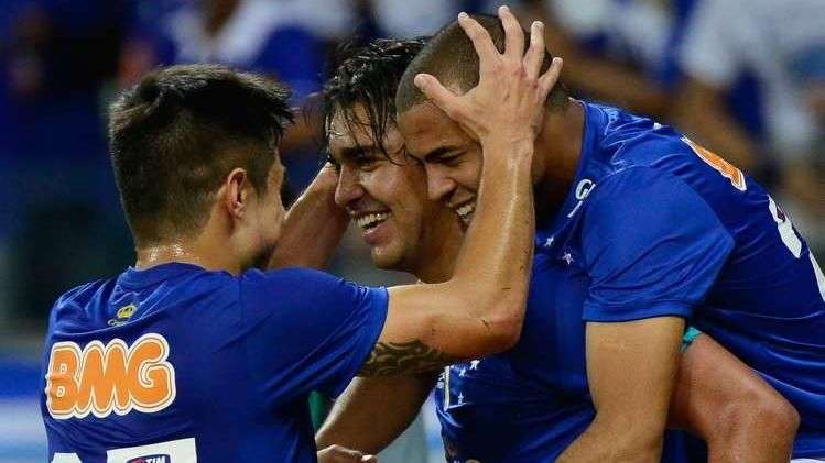 Veja os gols de Cruzeiro 2 x 0 Atlético-PR pelo Brasileiro