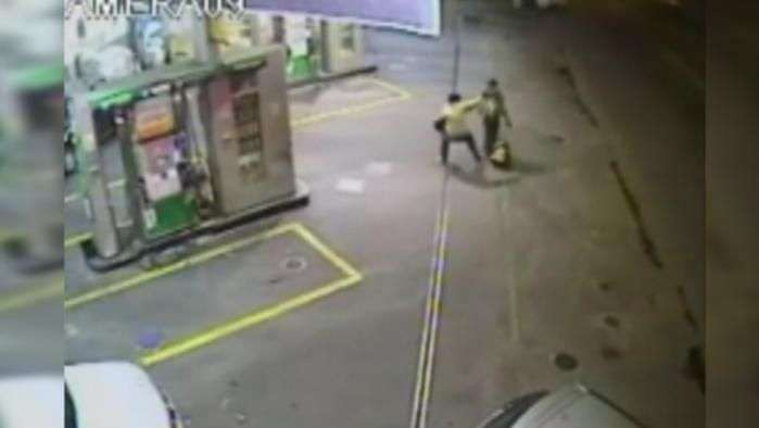 Bandido ataca de herói e salva morador de rua em SP