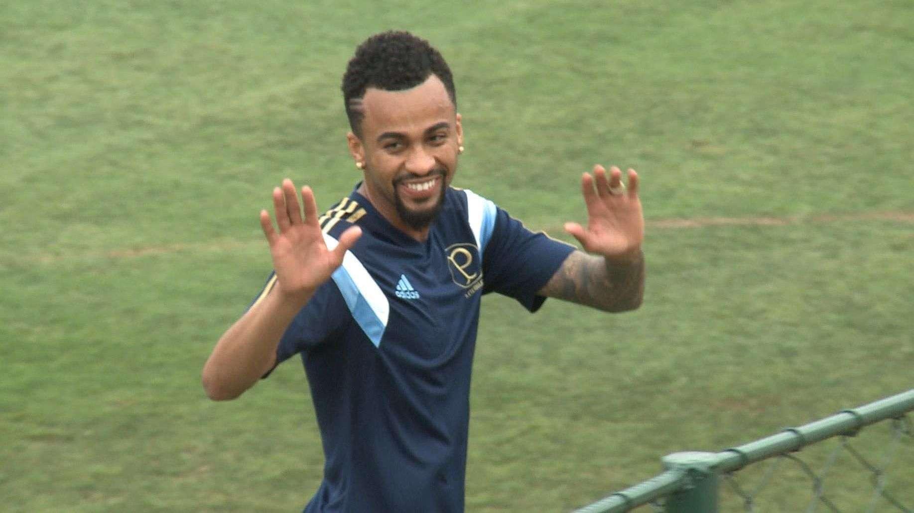 Prass e Wesley aparecem e Palmeiras treina com Valdivia