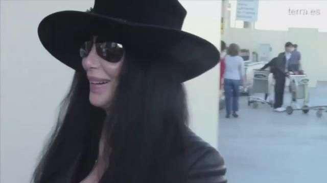 Cher, demandada por discriminación