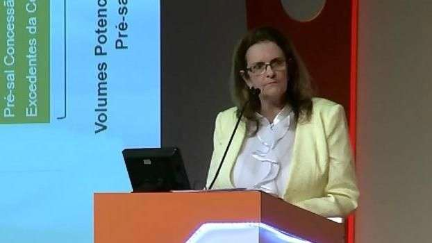 Graça Foster evita falar de escândalo na Petrobras