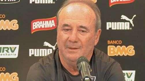 """Levir Culpi brinca com Marcelo Oliveira: """"terminamos amizade"""""""