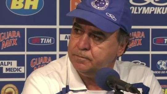 Completo! Marcelo Oliveira elogia evolução de meia da Seleção