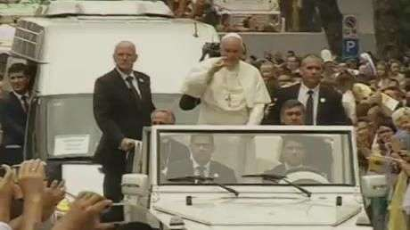 Papa visita a Albânia em sua quarta viagem internacional