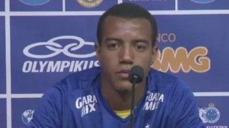Cruzeiro apresenta lateral antes de clássico com Atlético-MG