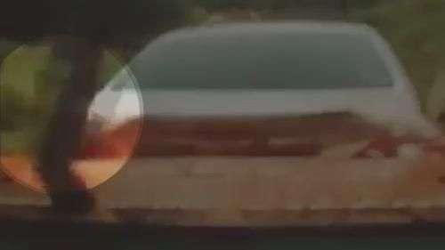 Contrabandista se joga de carro durante perseguição policial