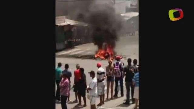 RN: ambulantes protestam no bairro Alecrim, em Natal