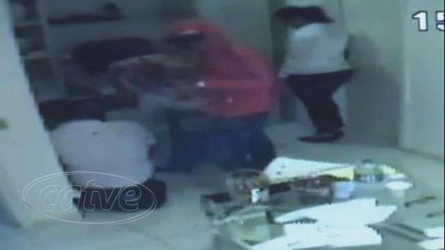 Câmeras registram assalto a posto de combustíveis em Curitiba