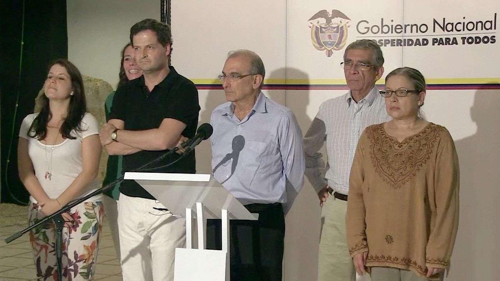 Colombia : gobierno y FARC divulgan acuerdos parciales