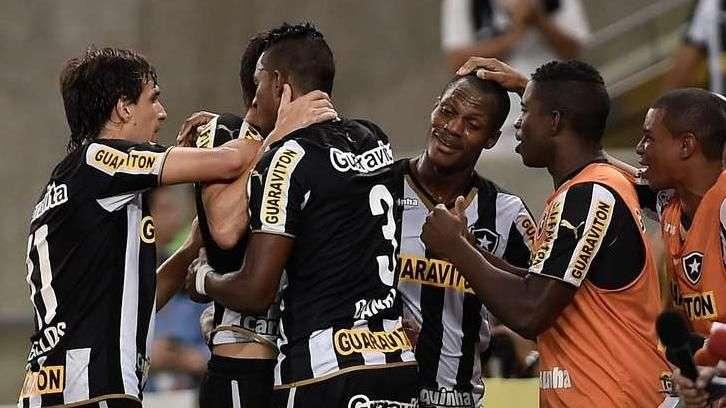 Veja o gol de Botafogo 1 x 0 Goiás pelo Brasileiro