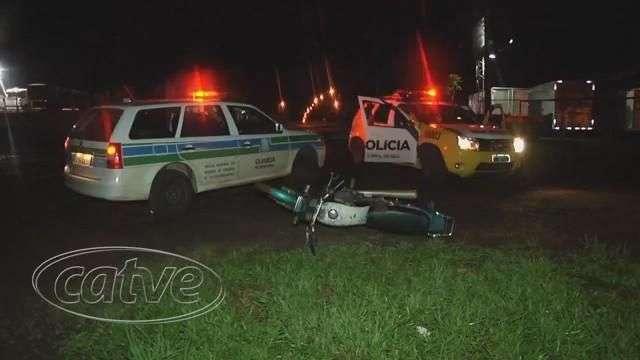 Rapaz abandona motocicleta furtada ao ver viatura da Guarda Patrimonial