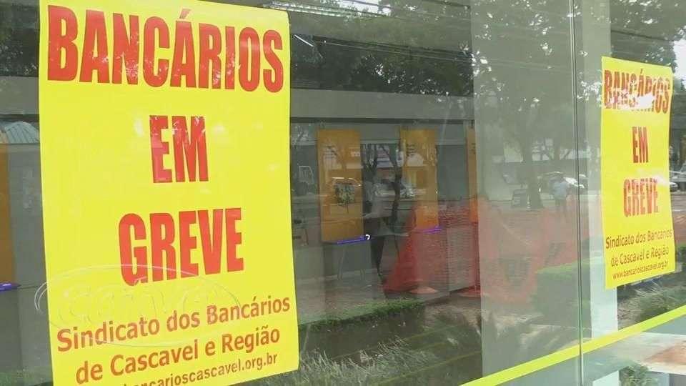 Greve dos bancários tem 100% de adesão em Cascavel, diz sindicato