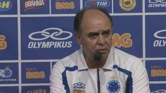 Marcelo Oliveira confessa dificuldade de enfrentar zaga alta