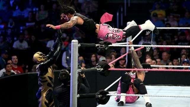 SmackDown: Los Usos no pueden evitar otro pinfall de Bo Dallas a Mark Henry