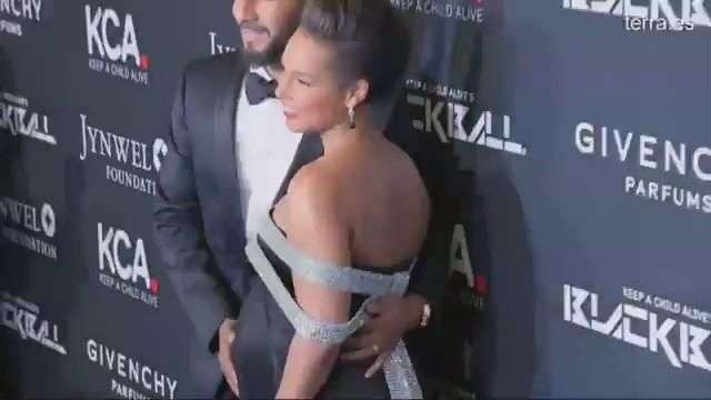 Alicia Keys presume de recta final de embarazo