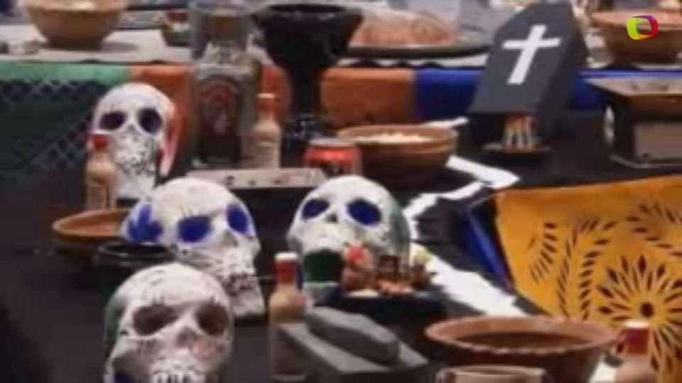 """Bolivia y México recuerdan a sus difuntos con """"catrinas""""..."""