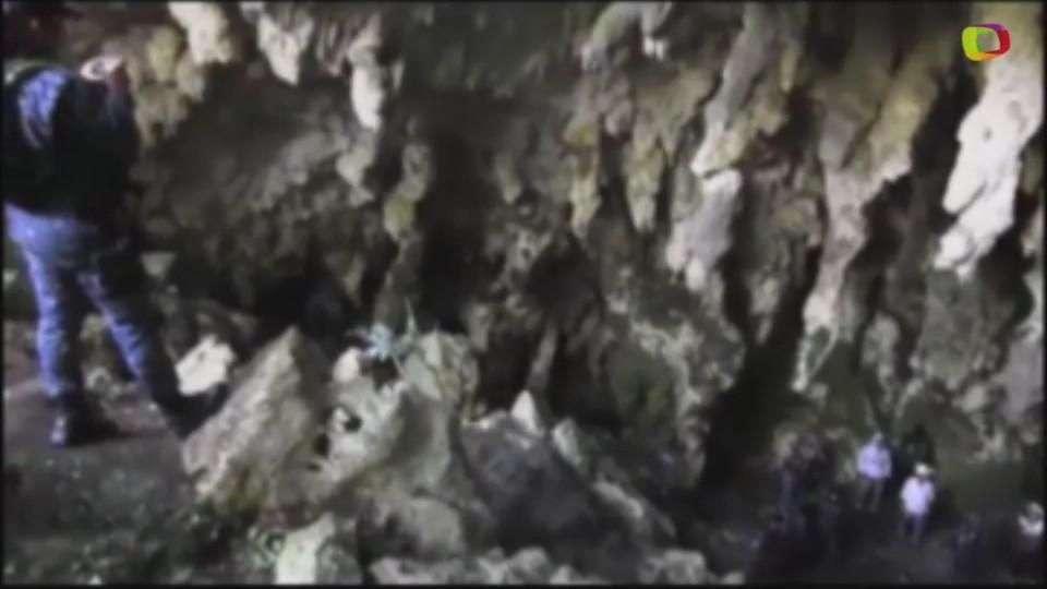 Buscan en cuevas de Guerrero a los 43 estudiantes ...