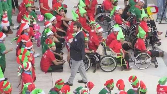 Rompen récord de elfos en Bangkok