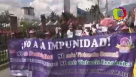 Mujeres salvadoreñas exigen terminar con violencia de ...