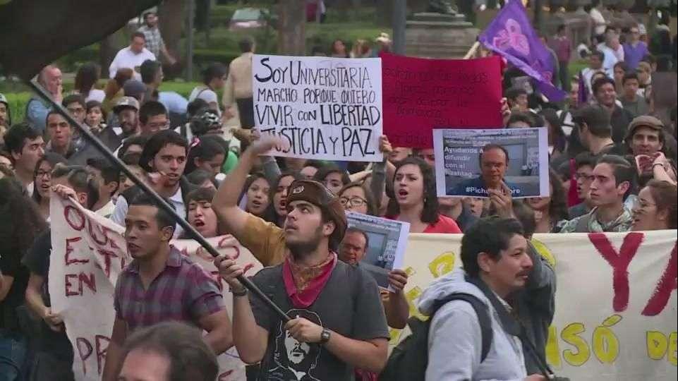 11 detenidos en México reavivan protestas